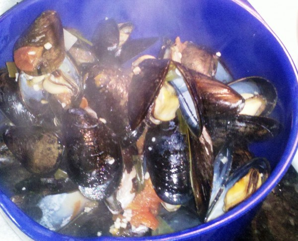 Cook's Recipe: Beer Steamed Mussels | Castles & Cooks